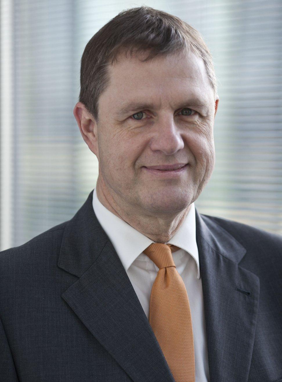 Dr. Patrick Bruns